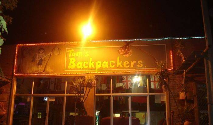 Tom's Backpackers 18 photos