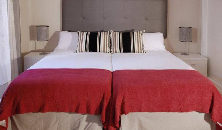 Apartamentos Metropolis - Search available rooms and beds for hostel and hotel reservations in Sevilla 10 photos