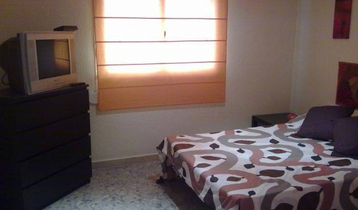 Best Choice Rooms - Get cheap hostel rates and check availability in Malaga 8 photos