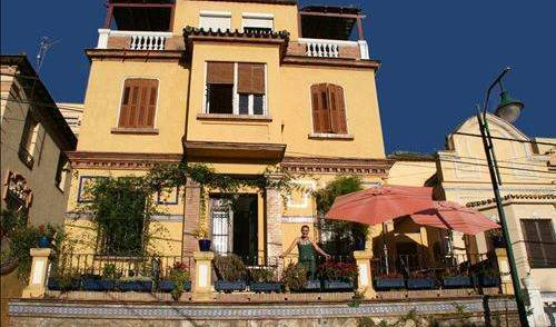 Villa Alicia Guest House - Get cheap hostel rates and check availability in Alora 22 photos