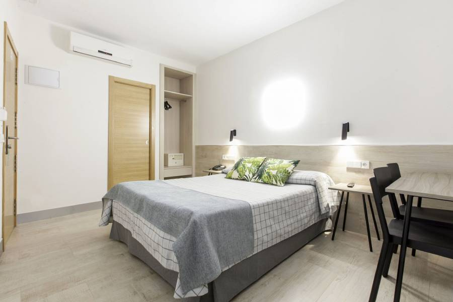 Hostal Castilla 2, Madrid, Spain, Spain hostels and hotels