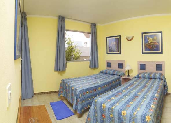 Playa Sol Apartments, Ibiza, Spain, hostellit lähellä metroasemaa sisään Ibiza