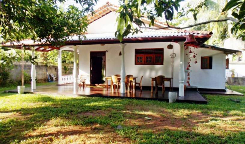 Villa Dominika - Search available rooms and beds for hostel and hotel reservations in Hikkaduwa 19 photos