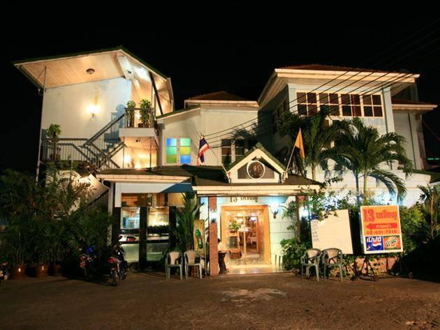 13 Coins Antique Villa (Downtown), Bang Rak, Thailand, Thailand giường ngủ và bữa ăn sáng và khách sạn