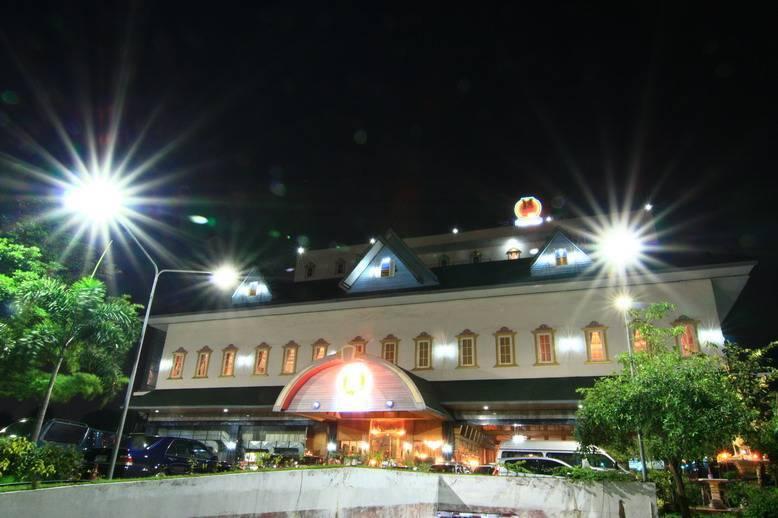 13 Coins Hotel Ngam Wong Wan, Ban Bang Muang, Thailand, Thailand giường ngủ và bữa ăn sáng và khách sạn