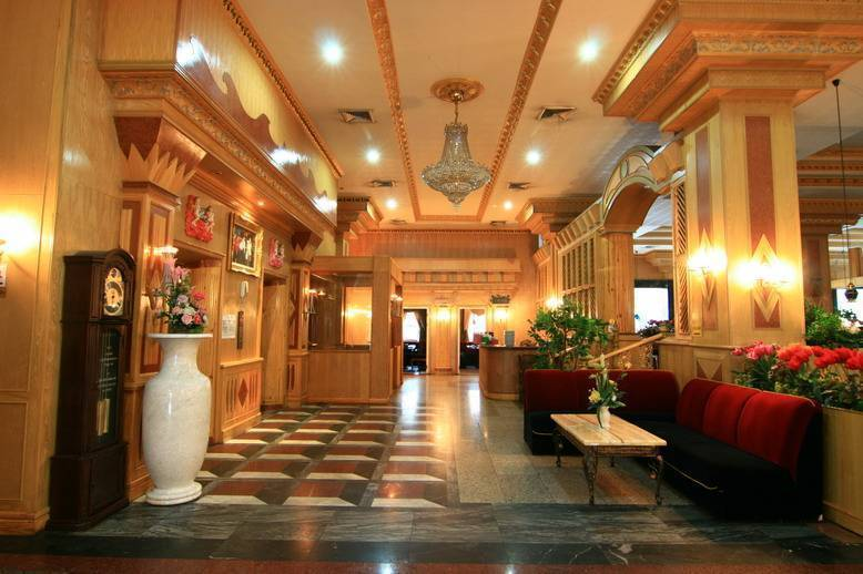 13 Coins Hotel Ngam Wong Wan, Ban Bang Muang, Thailand, the most trusted reviews about hostels in Ban Bang Muang