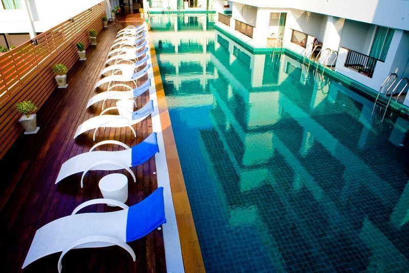 Casa del M Hotel, Ban Patong, Thailand, Thailand giường ngủ và bữa ăn sáng và khách sạn