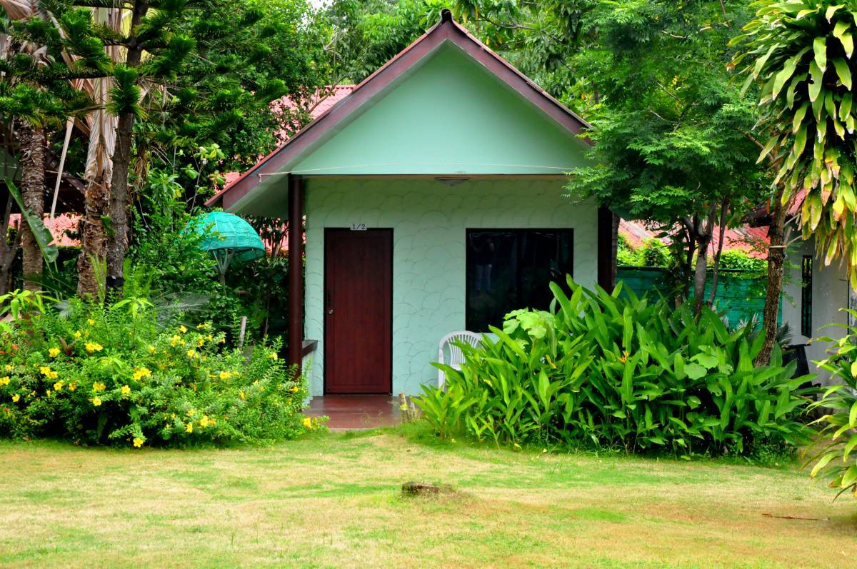 Coral Bungalows, Ko Phangan, Thailand, bed & breakfasts with travel insurance for your booking in Ko Phangan