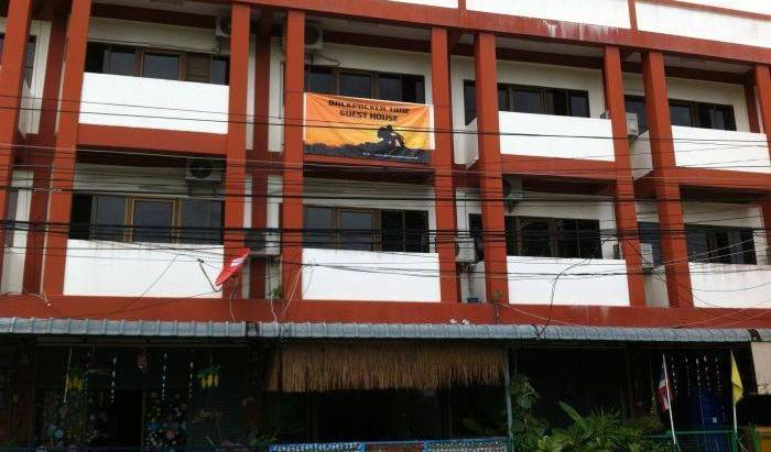 Backpacker Time Guest House - Search available rooms and beds for hostel and hotel reservations in Pattaya 16 photos