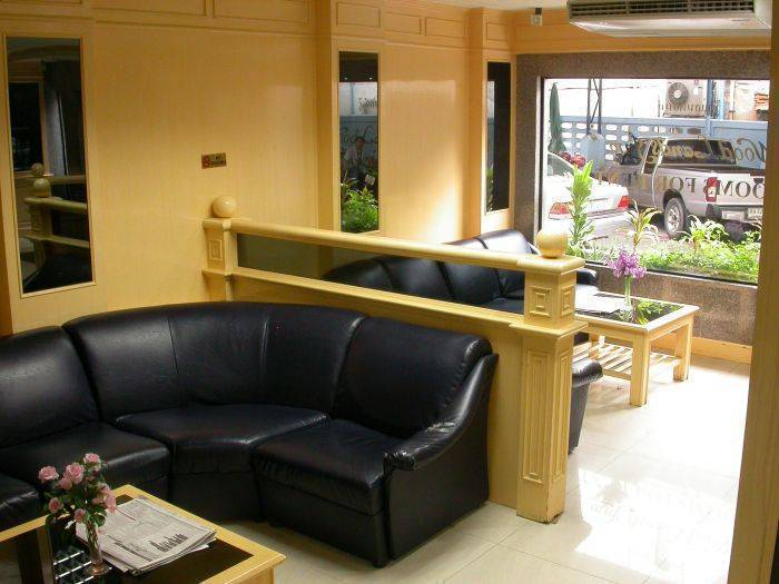 Hotel Woodlands Inn, Bang Kho Laem, Thailand, experience living like a local, when staying at a hostel in Bang Kho Laem