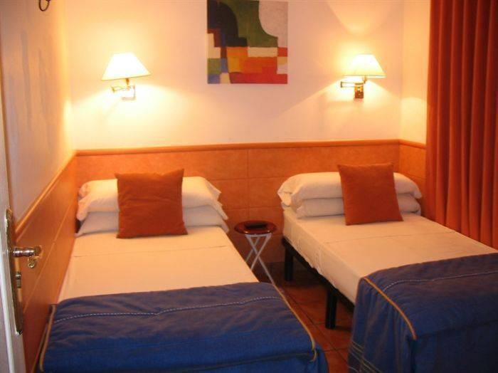Kamalia Hostel, Ban Kaduang, Thailand, Thailand giường ngủ và bữa ăn sáng và khách sạn