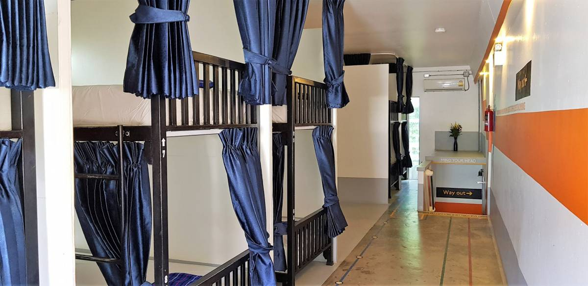 Koh Tao Central Hostel, Koh Tao, Thailand, what are the safest areas or neighborhoods for bed & breakfasts in Koh Tao