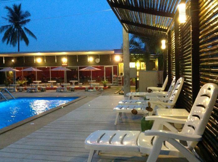 Nest Boutique Resort, Lat Krabang, Thailand, Thailand giường ngủ và bữa ăn sáng và khách sạn