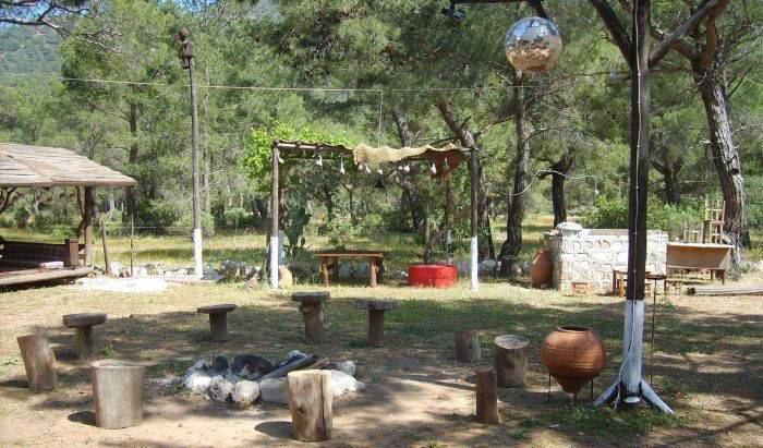 VHS Rahmis Tree Houses -  Olympos, affordable apartments and apartbed & breakfasts in Beycik, Turkey 5 photos