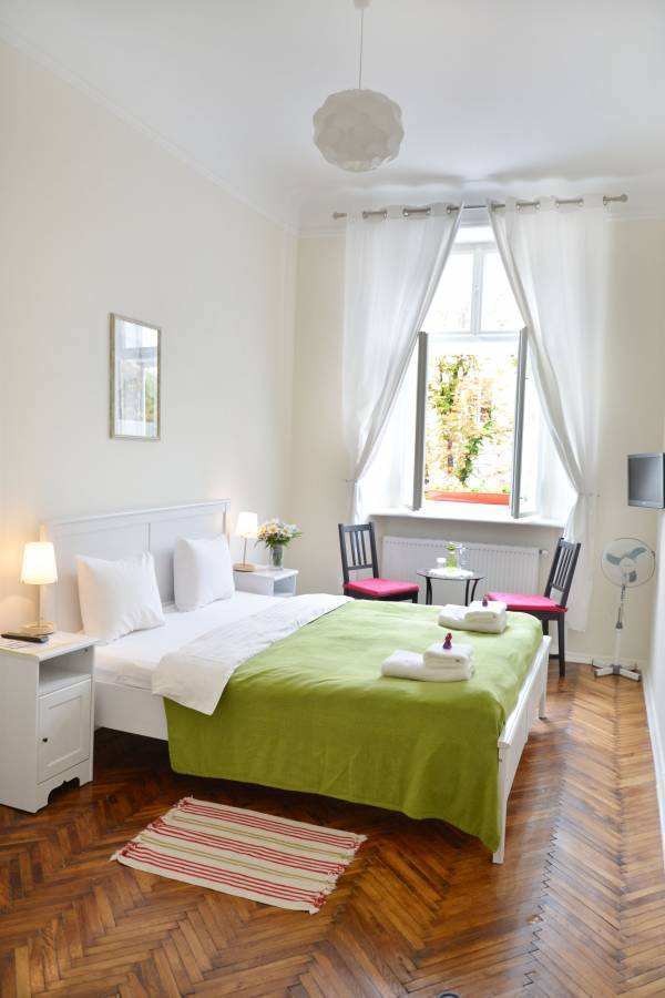 On The Square Guesthouse, L'viv, Ukraine, bed & breakfasts near the museum and other points of interest in L'viv