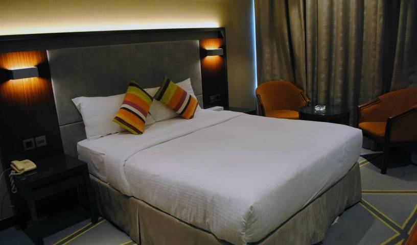 Versailles by Raviz Hotel - Search for free rooms and guaranteed low rates in Dayrah 26 photos