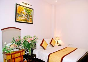 Queen Star Hotel, Ha Noi, Viet Nam, experience local culture and traditions, cultural bed & breakfasts in Ha Noi