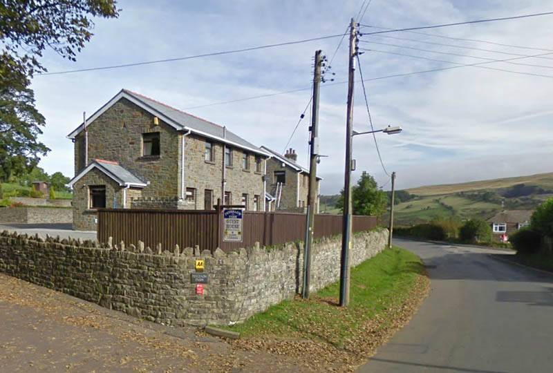 Penrhadw Farm Holiday Cottages, Merthyr Tydfil, Wales, find the lowest price for hostels, hotels or bed and breakfasts in Merthyr Tydfil