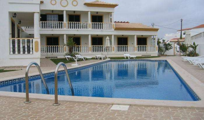 preferred travel site for hostels in Albufeira, Portugal
