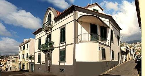 hostel reservations in Funchal
