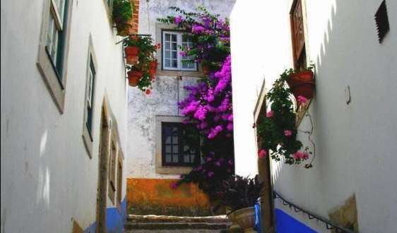 hostels with non-smoking rooms in Obidos, Portugal