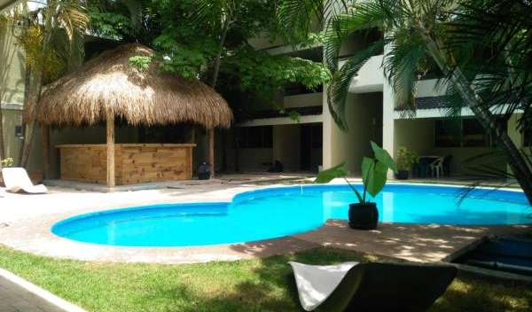 Find cheap rooms and beds to book at hostels in Playa del Carmen
