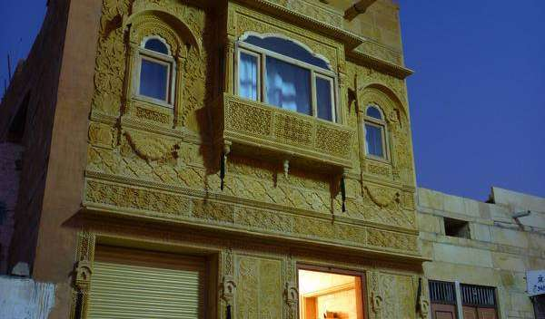 Search availability for the best youth hostels in Jaisalmer