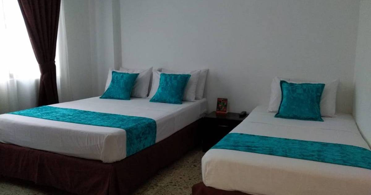Make cheap reservations at a hostel like Hostal Tamarindo