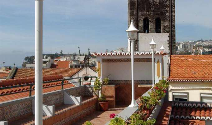 Book youth hostels and hotels now in Funchal