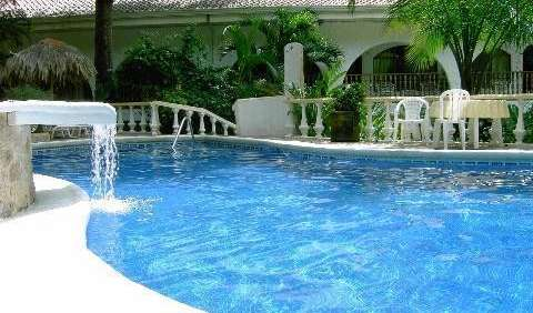 Search availability for the best youth hostels in Manuel Antonio