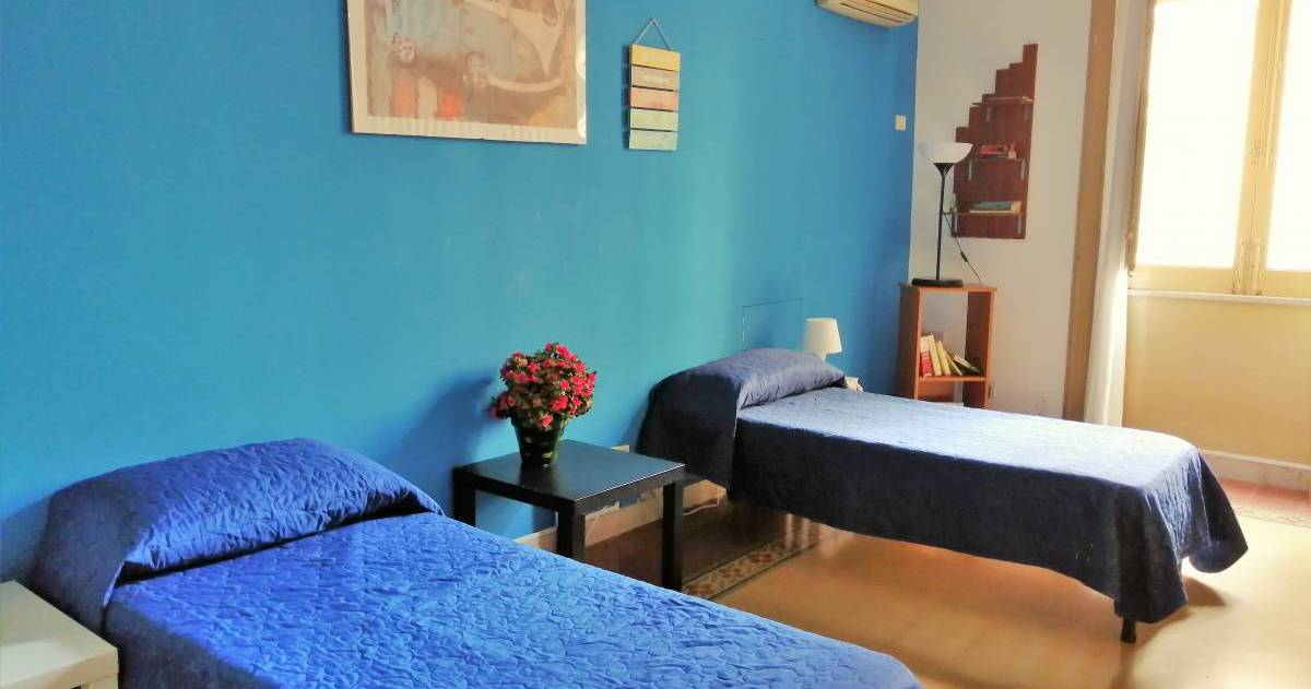 hostel reservations in Palermo