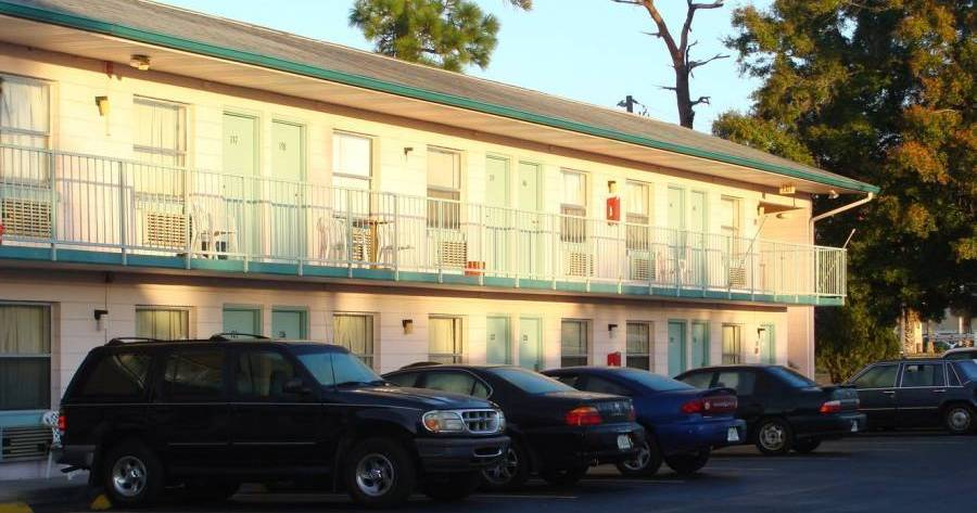 hostel reservations in Kissimmee