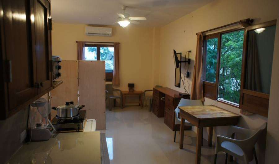 Reserve low rates for youth hostels and apartments in Olon