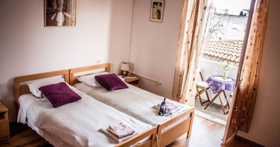 hostel reservations in Split