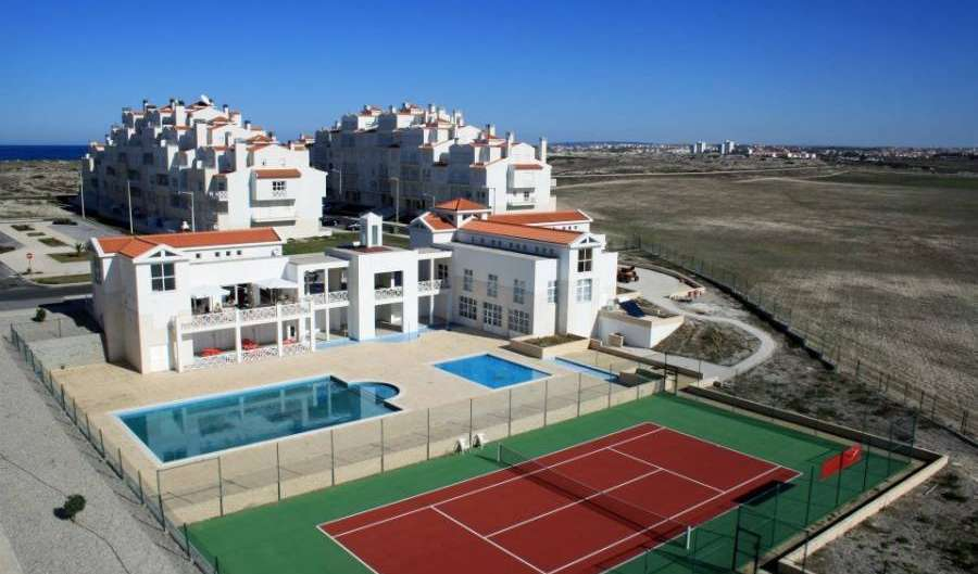 Cheap hostel and hotel rates & availability in Peniche