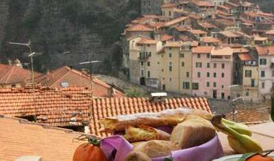 Reserve youth hostels in Dolceacqua