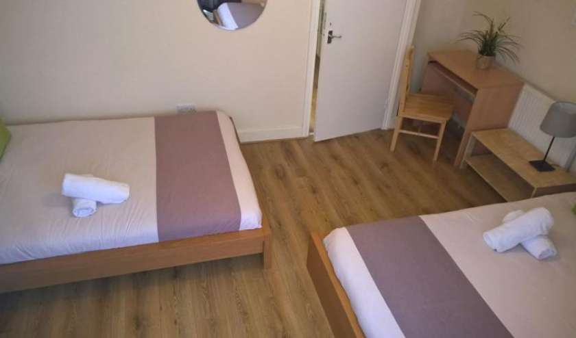 Youth Hostels and apartments in Bromley